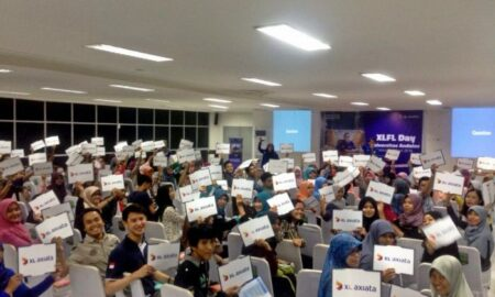 Kemeriahan Mini Roadshow XL Future Leader Day di Universitas Andalas